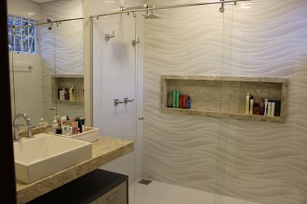 Banheiro branquinho: Banheiros modernos por Arquiteta Bianca Monteiro