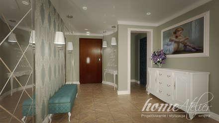 Stylowa mięta: styl , w kategorii Korytarz, przedpokój i schody zaprojektowany przez Home Atelier