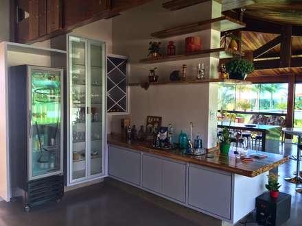 Adegas inspira o e design de interiores homify - Decoradores de bares ...
