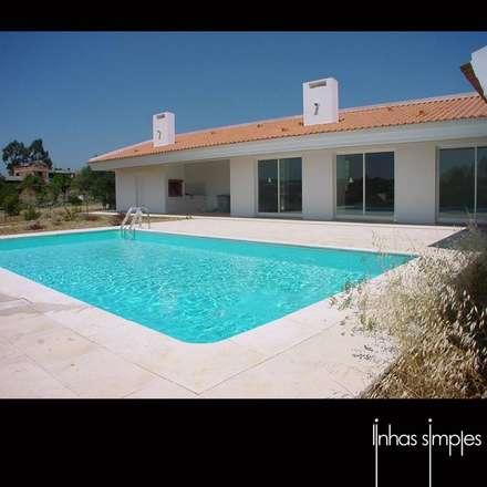 Moradia unifamiliar / Dwelling: Casas mediterrânicas por Linhas Simples