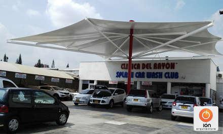 PARASOL CAR WASH CLINICA DEL RAYON / Cali : Centros comerciales de estilo  por ION arquitectura SAS