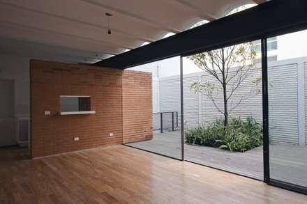 : modern Living room by Hb/arq
