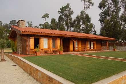RUSTICASA | 100 projetos | Portugal + Espanha: Habitações  por Rusticasa