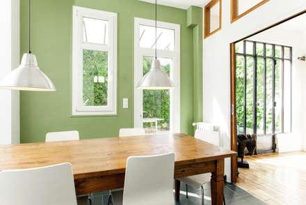 Rénovation d'une maison Tourangelle: Cuisine de style de style eclectique par MadaM Architecture