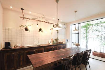 ห้องทานข้าว by 디자인투플라이