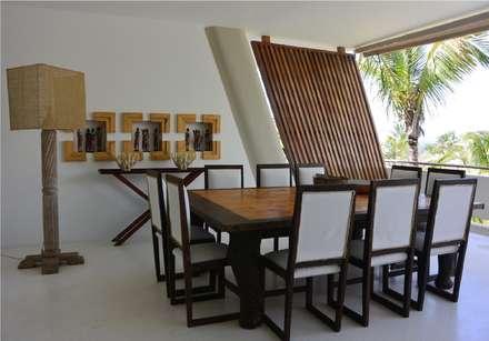 Billionaire Resort Malindi: Pareti in stile  di Orietta Mosca