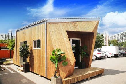 8평형 프리패브주택 외관(1): 공간제작소(주)의  주택