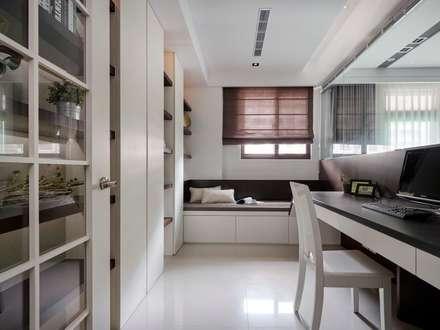 classic Study/office by 築一國際室內裝修有限公司