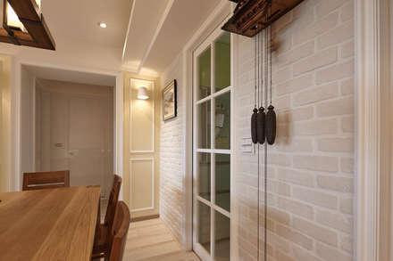 等等 wait a sec:  牆壁與地板 by 耀昀創意設計有限公司/Alfonso Ideas