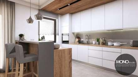 Kuchnia w ciepłych, jasnych barwach: styl , w kategorii Kuchnia zaprojektowany przez MONOstudio