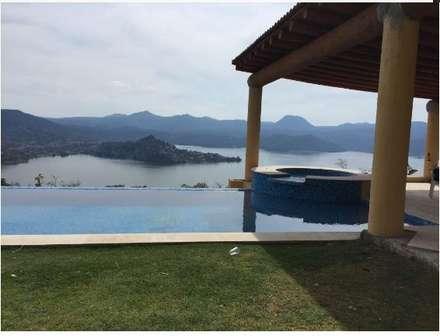 colonial Pool by Albercas Aqualim Toluca
