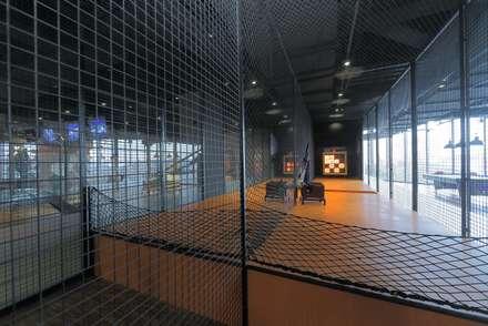 滾動的音樂盒:  牆壁與地板 by 舍子美學設計有限公司