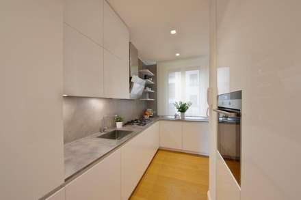 "minimal ""in stile"": Cucina in stile in stile Minimalista di studio ferlazzo natoli"