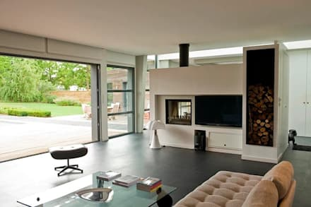 RUSTICASA   Casa em Le Prieuré   Montfort l'Amaury: Salas de estar modernas por Rusticasa