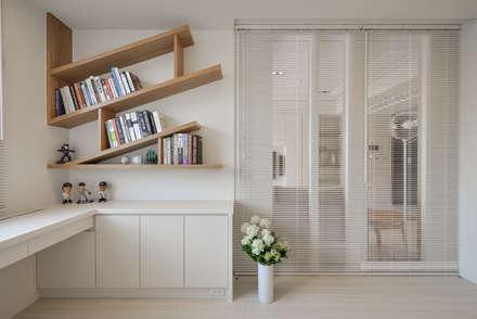 scandinavian Study/office by 存果空間設計有限公司