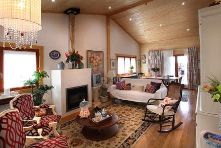 RUSTICASA | Casa no Sardoal | Santarém: Salas de estar rústicas por Rusticasa