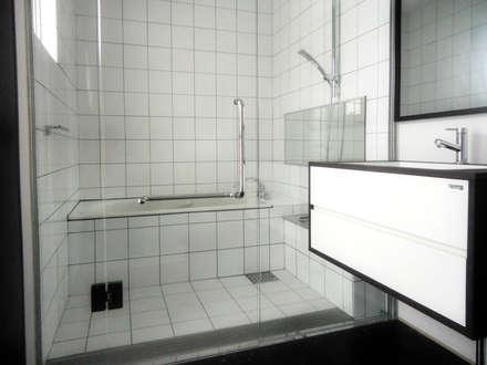 住居浴室: 株式会社青空設計が手掛けた浴室です。