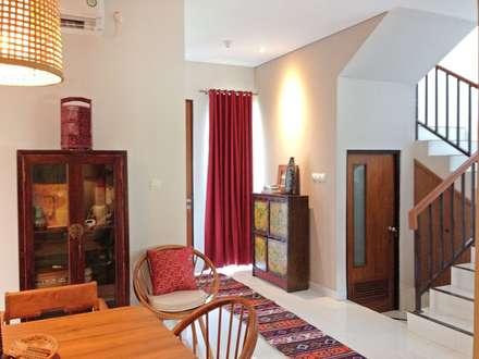 Interior Residential - Lanata 2 Residence:  Ruang Makan by RANAH