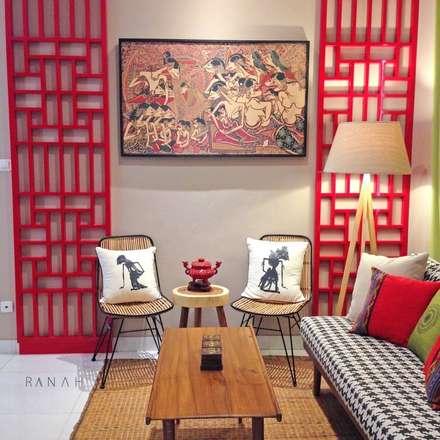 Interior Residential - Lanata 2 Residence:  Ruang Keluarga by RANAH