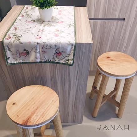 2 Bedrooms - Bassura City Apartment:  Ruang Makan by RANAH