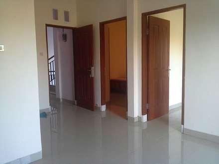 Project Desain Apartment IB Ariwangsa, Denpasar:  Ruang Keluarga by Jasa Arsitek Jakarta