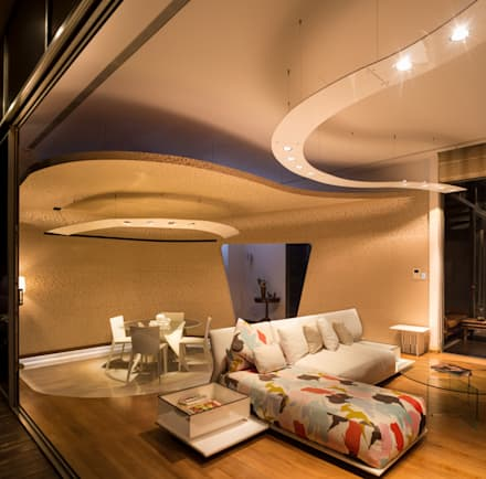 Living Room:  Ruang Keluarga by E&U