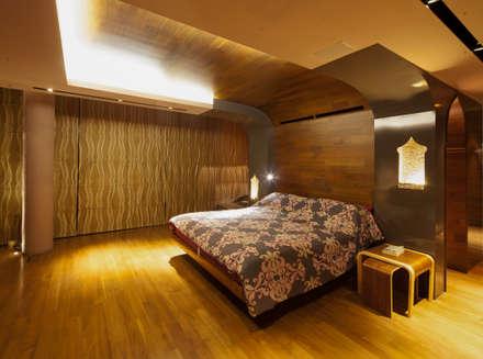 Bedroom:  Kamar Tidur by E&U