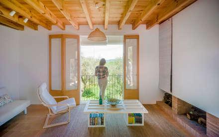 Casa Proa: Salones de estilo rural de Sr.