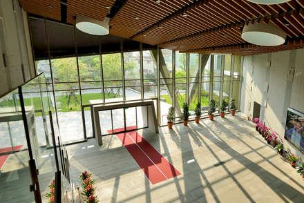 Windows by 綠野國際建築師事務所