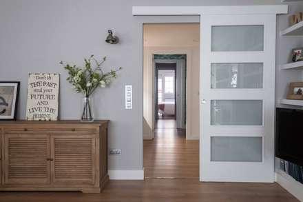 :  Corridor & hallway by Espacio Sutil