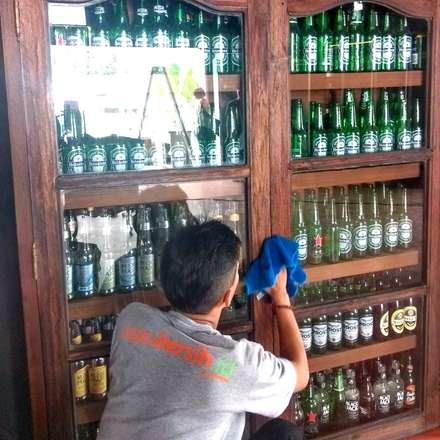Jasa bersih Bar:  Bar & Klub  by SapuBersih.id