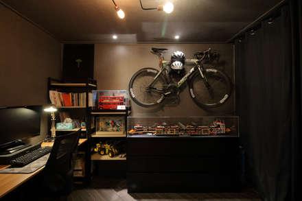 modern Study/office by 와이피스페이스