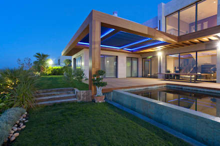 Bioclimatic Pergola: modern Houses by Atria Designs Inc.