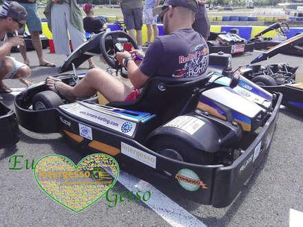 Intergesso patrocina a equipa portuguesa Racing Aces a grande prova 24 horas Karting de Le Mans: Jardins ecléticos por Intergesso, Lda