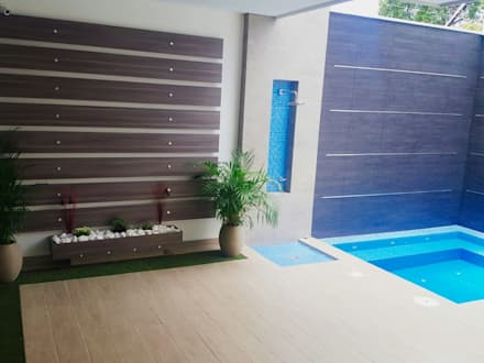 modern Pool by CONSTRUCTOR INDEPENDIENTE