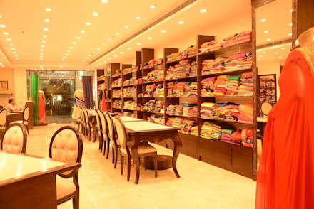 Perfection House - Gurgaon:  Shopping Centres by One sq. meter Architects & Interior Designers