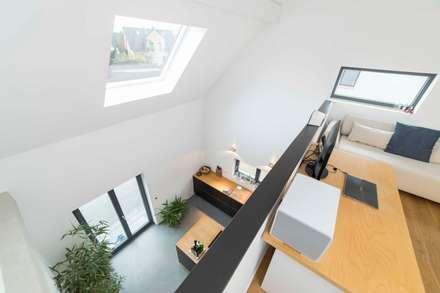 pickartzarchitektur-koeln1-galerie + arbeitszimmer: minimalistische Arbeitszimmer von pickartzarchitektur