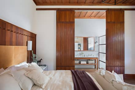 country Bedroom by Gisele Taranto Arquitetura