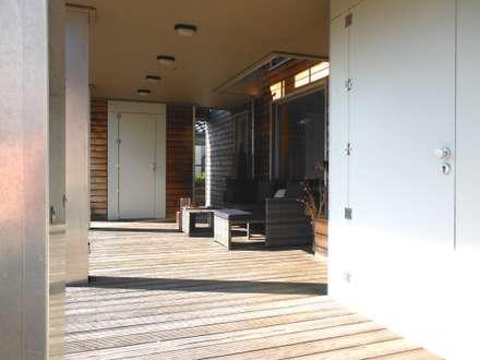 pickartzarchitektur-BaM2-Veranda EG:  Terrasse von pickartzarchitektur
