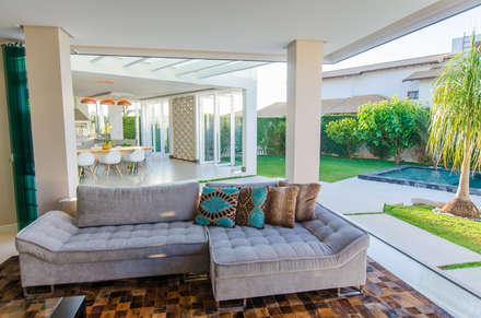 Casa Contemporânea: Salas de estar modernas por Escritório 238 Arquitetura