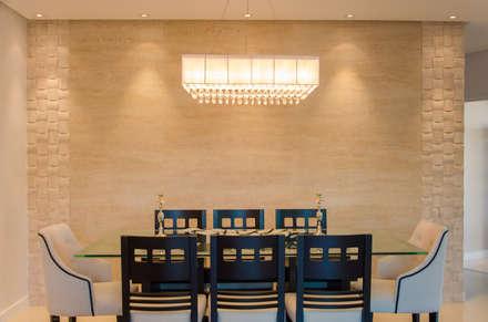 Casa Contemporânea: Salas de jantar modernas por Escritório 238 Arquitetura