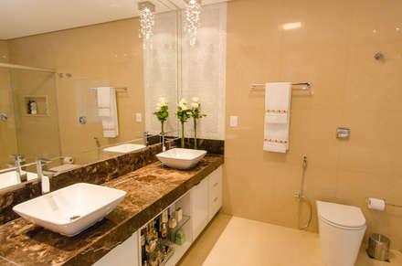 Casa Contemporânea: Banheiros modernos por Escritório 238 Arquitetura