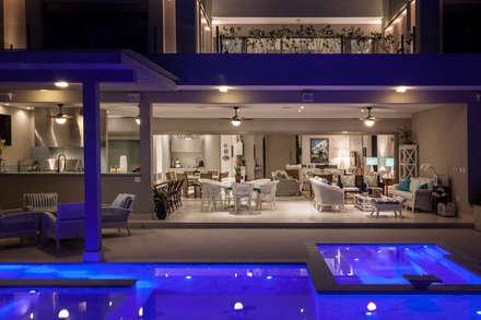 modern Pool by Tammaro Arquitetura e Engenharia