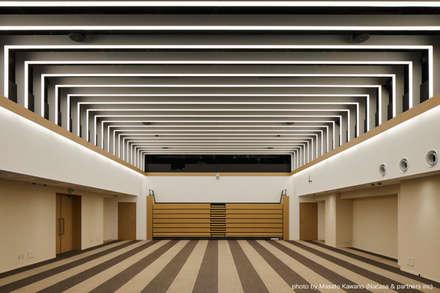 صالة مناسبات تنفيذ 藤村デザインスタジオ / FUJIMURA DESIGIN STUDIO