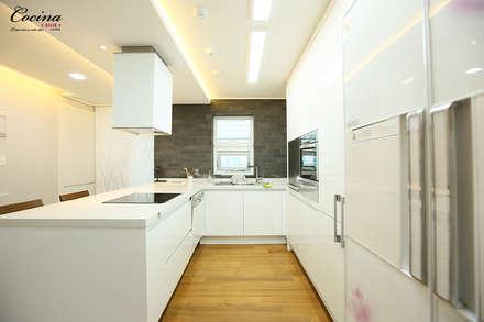 서울 서초구 잠원동 롯데캐슬 2단지 아파트: cocina의  주방