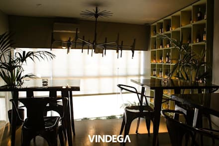 Wine Lounge: Bares e clubes  por Stabörd