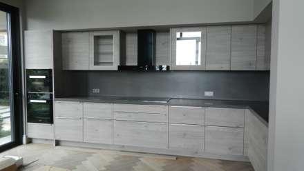 Klas Mimarlık – Nolte Küchen Artwood: modern tarz Mutfak