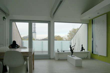...Licht und Architektur....:  Terrasse von 2kn Architekt + Landschaftsarchitekt
