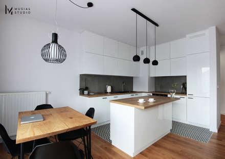 Aneks kuchenny: styl , w kategorii Kuchnia zaprojektowany przez Musiał Studio