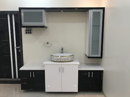 Luxury Interior Design  3 BHK Flat: minimalistic Dining room by Nabh Design & Associates